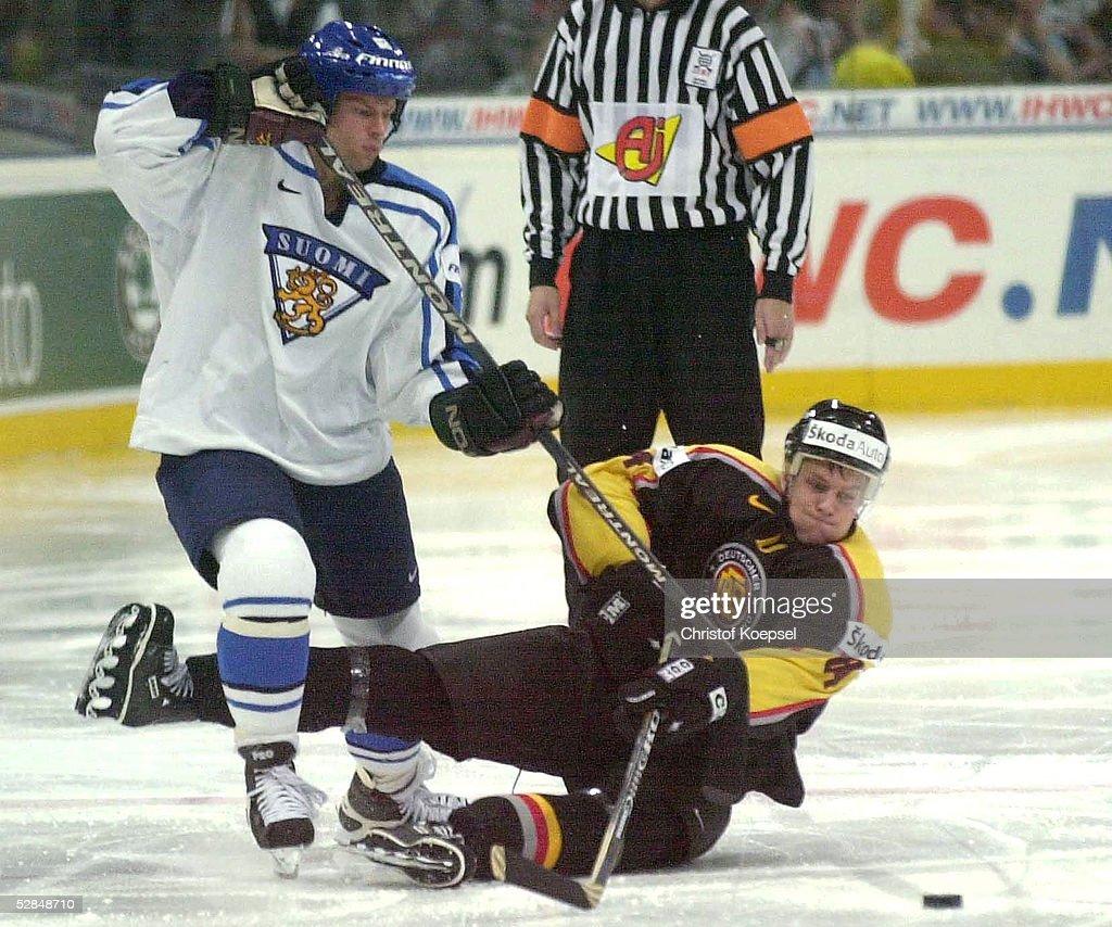EISHOCKEY: WM 2001, Koeln : News Photo