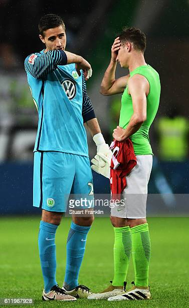 Koen Casteels and Julian Draxler of Wolfsburg look dejected during the Bundesliga match between VfL Wolfsburg and 1 FSV Mainz 05 at Volkswagen Arena...