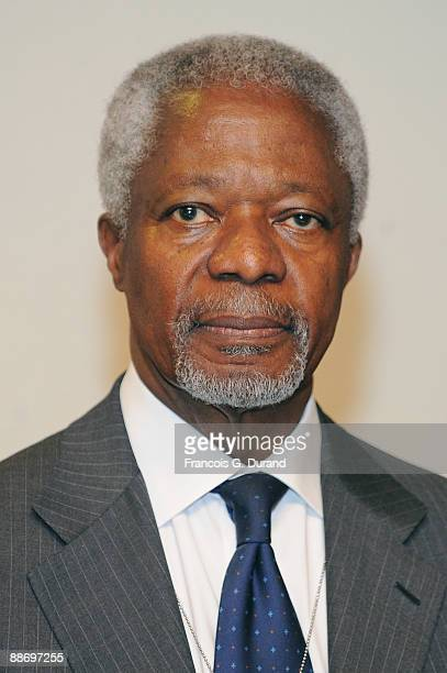 Kofi Annan former UN SecretaryGeneral and President of Global Humanitarian Forum gives a press conference on the human face of climate change and the...
