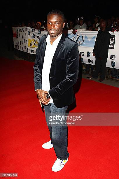 Kofi arrives for the MTV Africa Music Awards 2008 at the Abuja Velodrome on November 22, 2008 in Abuja, Nigeria.