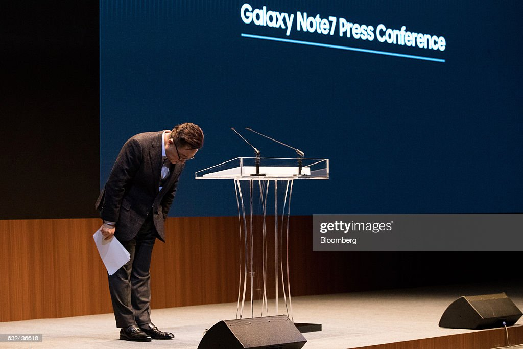 Samsung President of Mobile Communications Koh Dong Jin Announces Cause Of Note 7 Fires : News Photo
