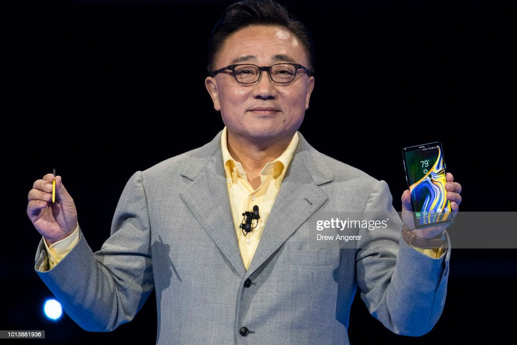 Samsung Unveils New Galaxy Note Smart Phone : News Photo