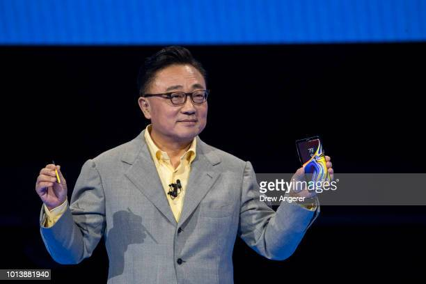 Koh president and CEO of Samsung Electronics introduces the new Samsung Galaxy Note 9 smartphone at the Barclays Center on August 9 2018 in the...
