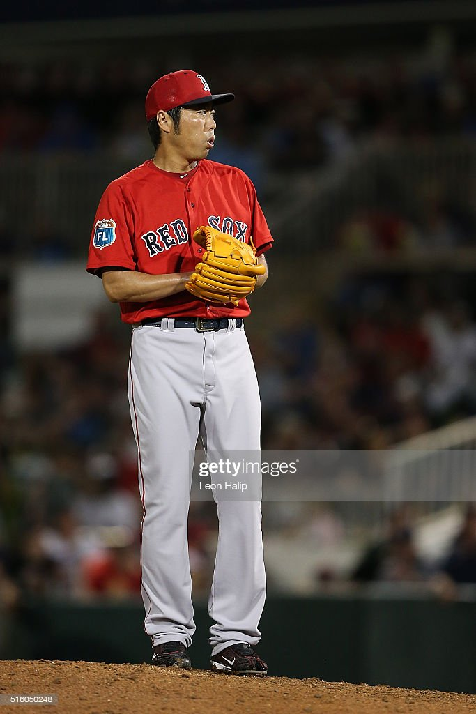 Koji Uehara #19 of the Boston Red Sox pitches during the fifth inning of the Spring Training Game against the Minnesota Twins on March 16, 2016 at CenturyLink Sports Complex and Hammond Stadium, Fort Myers, Florida.