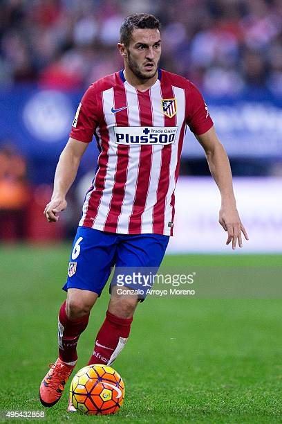 Koke of Atletico de Madrid controls the ball during the La Liga amtch between Club Atletico de Madrid and Valencia CF at Vicente Calderon Stadium on...