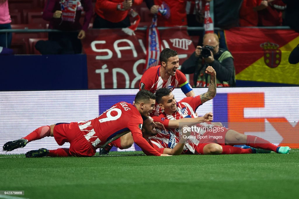 Koke Resurreccion of Atletico Madrid celebrates after scoring his team's first goal with his teammates during the UEFA Europa League quarter final leg one match between Atletico Madrid and Sporting CP at Wanda Metropolitano on April 5, 2018 in Madrid, Spain.