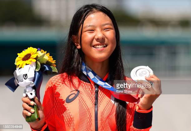 Kokona Hiraki of Team Japan poses with her Silver medal after the Women's Skateboarding Park Finals on day twelve of the Tokyo 2020 Olympic Games at...