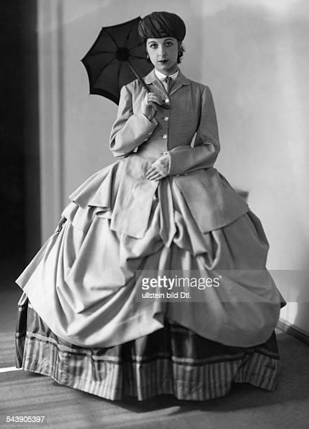 Kolman Trude Actress Cabaret Artist Germany* nee Gertrude Kohlmann in 'Bismarck' by Frank Wedekind Photographer Atelier Jacobi Published by 'BZ am...