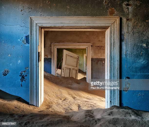 Kolmanskop blue room doorway