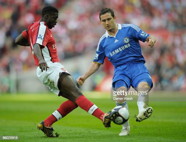 Kolo Toure battles withof Arsenal Frank Lampard of Chelsea during the FA Cup sponsored by EON Semi Final match between Arsenal and Chelsea at Wembley...