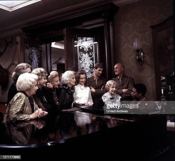 Komparse, Rose Renée Roth, HELMUT KETELS, SHERMAN STEWARD / Überschrift: DIE LETZTE GESCHICHTE VON SCHLOSS KÖNIGSWALD / BRD 1989.