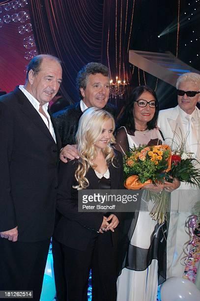 Komponist Ralph Siegel Moderator Michael Schanze Nana Mouskouri Heino vorne Annett Louisan ARDShow Herzlichen Glückwunsch die M I C A E L S C H A N Z...