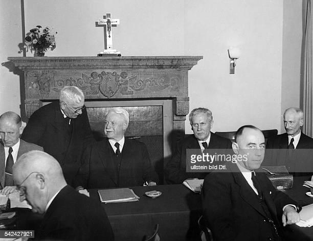 Konferenz der Landesbischöfe derVereinigten EvangelischLutherischenKirche Deutschlands in derEvangelischen Akademie in TutzingVlnr hintere Reihe...