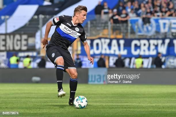 Konstantin Kerschbaumer of Bielefeld runs with the ball during the Second Bundesliga match between SV Darmstadt 98 and DSC Arminia Bielefeld at...