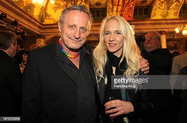 Konstantin Wecker Mit Ehefrau Annik Bei Der 31 Verleihung Des Bayerischen Filmpreises Im Prinzregententheater In München