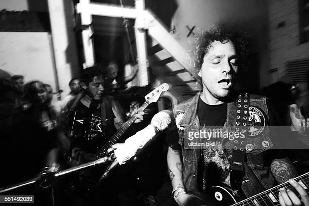 Konzert der Band mexikanischen Punkband CRIMEN im 538 Johnson Venue in Brooklyn New York