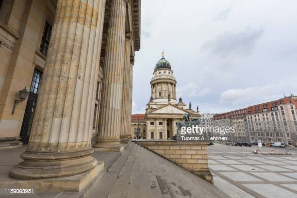 konzerthaus berlin and french cathedral in berlin at day - konzerthaus berlin stock pictures, royalty-free photos & images