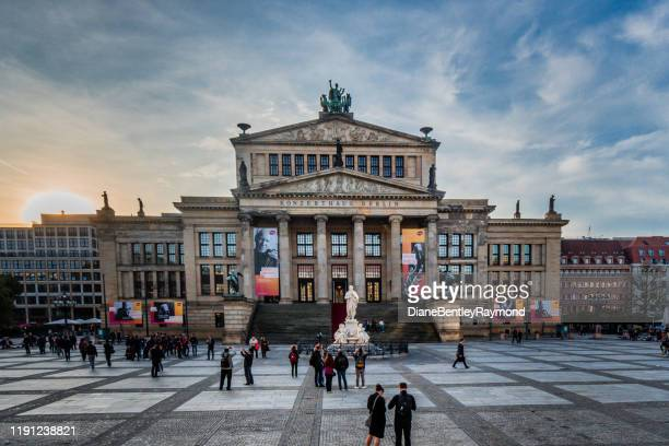 konzerthaus berlin - gendarmenmarkt stock pictures, royalty-free photos & images