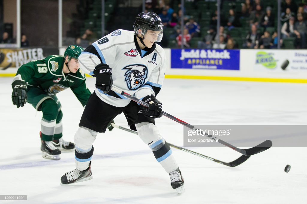 WHL: DEC 01 Kootenay ICE at Everett Silvertips : News Photo