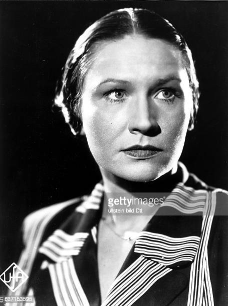 Koppenhoefer Maria Actress Germany Scene from the movie 'Gewitterflug zu Claudia' Directed by Erich Waschneck Germany 1937 Produced by UniversumFilm...