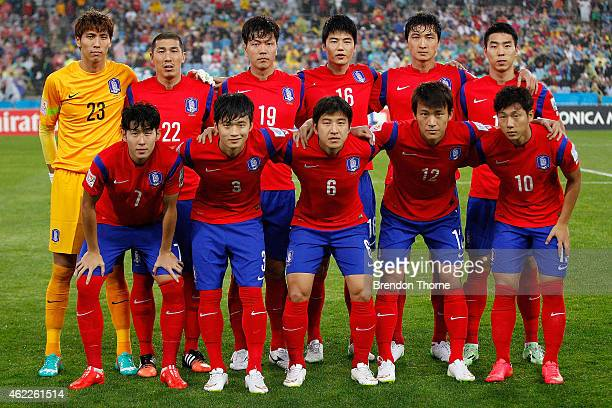 Korea Republic players pose for a team photo prior to the Asian Cup Semi Final match between Korea Republic and Iraq at ANZ Stadium on January 26...