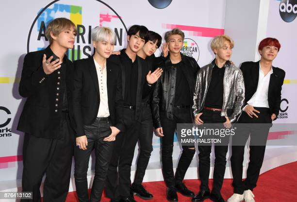 Korean boy band BTS arrives at the 2017 American Music Awards on November 19 in Los Angeles California / AFP PHOTO / Mark Ralston