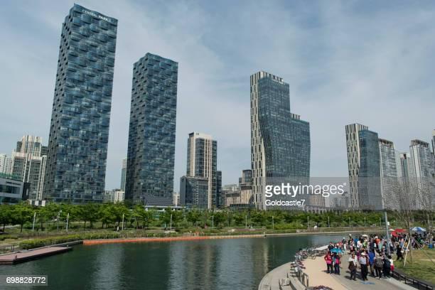 korean flea market - songdo ibd stock pictures, royalty-free photos & images
