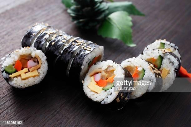 korean food kimbab - 韓国料理 ストックフォトと画像