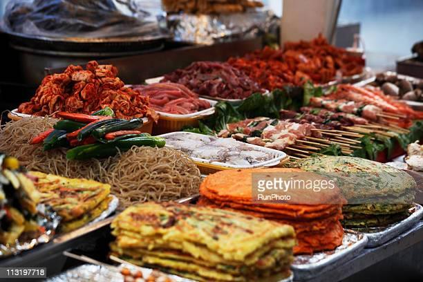korean foods - キムチ ストックフォトと画像