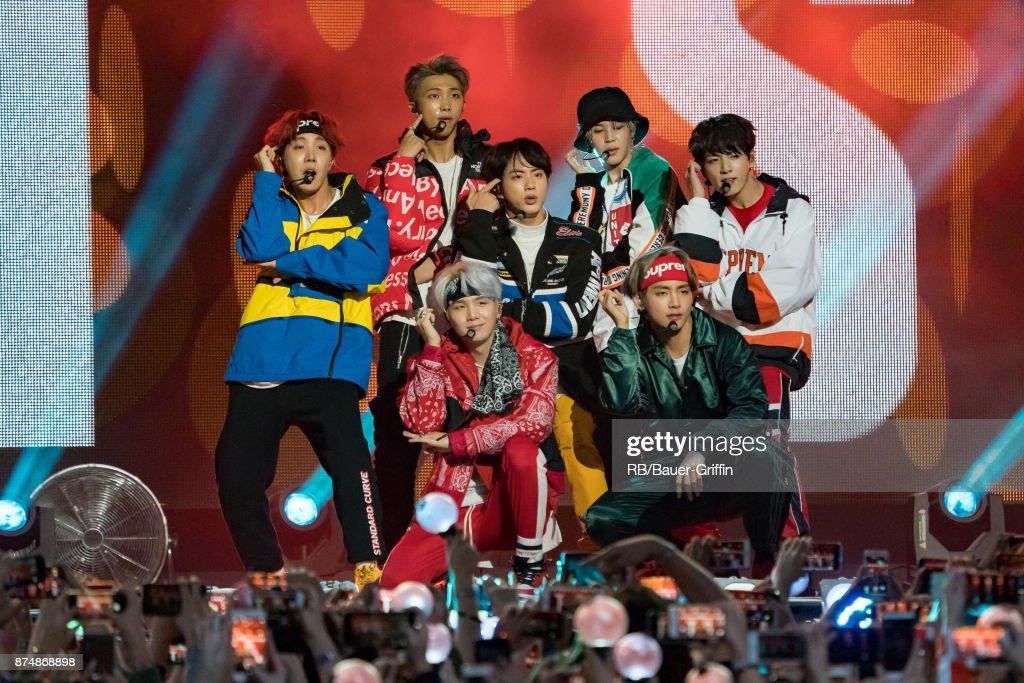 Celebrity Sightings In Los Angeles - November 15, 2017 : News Photo