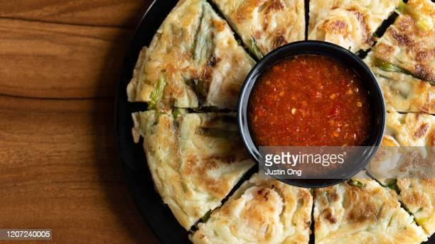 korean pancake buchimgae - 韓国料理 ストックフォトと画像