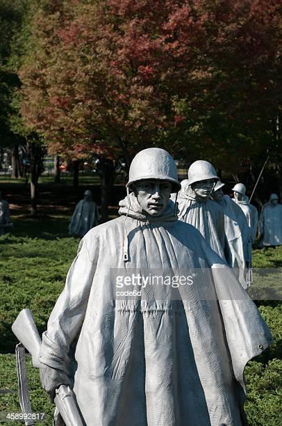 korean war memorial soldiers in washingon, dc - korean war memorial stock pictures, royalty-free photos & images