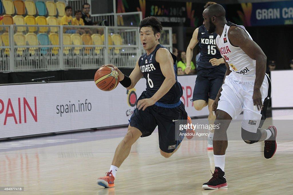 2014 FIBA Basketball World Cup - Angola v Korea : News Photo