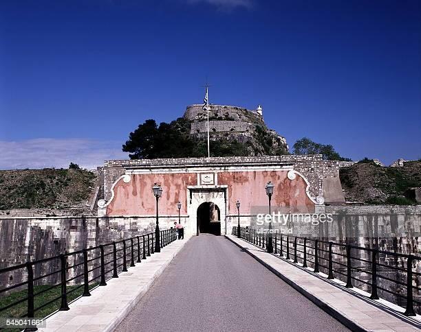 Blick aufden Eingangsbereich der alten FestungAussenansicht 1999