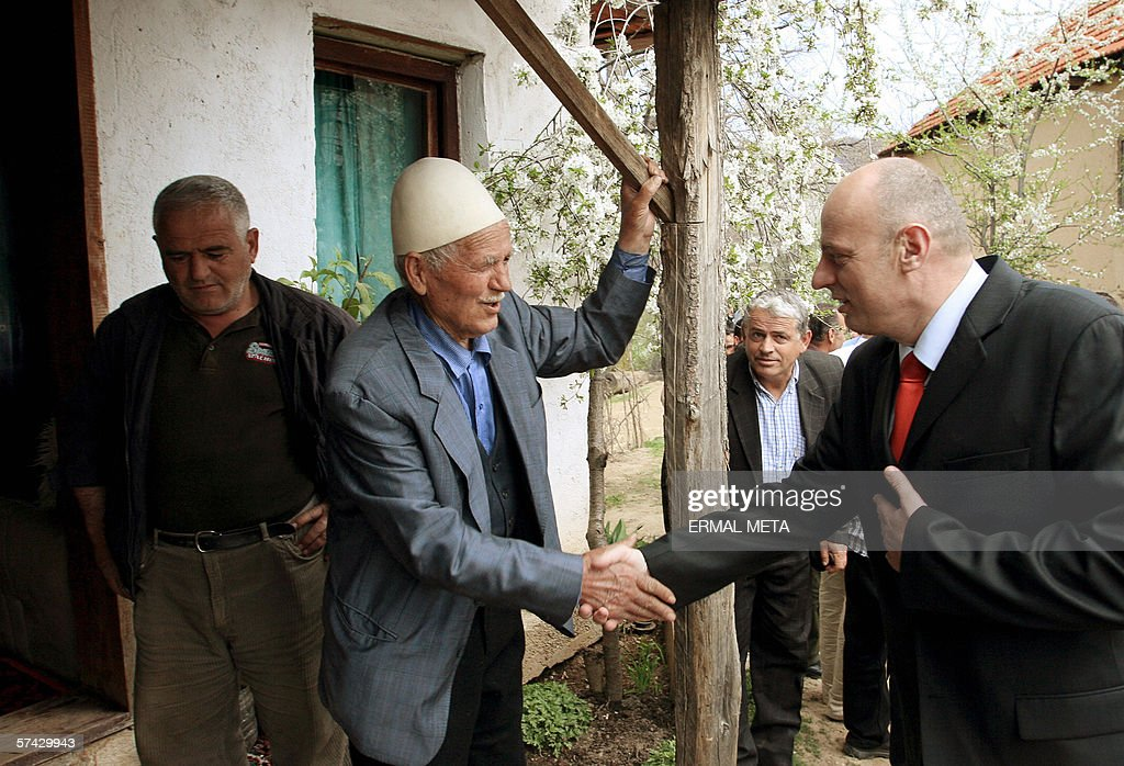 Kosovo's Prime Minister Agim Ceku (R) me : News Photo