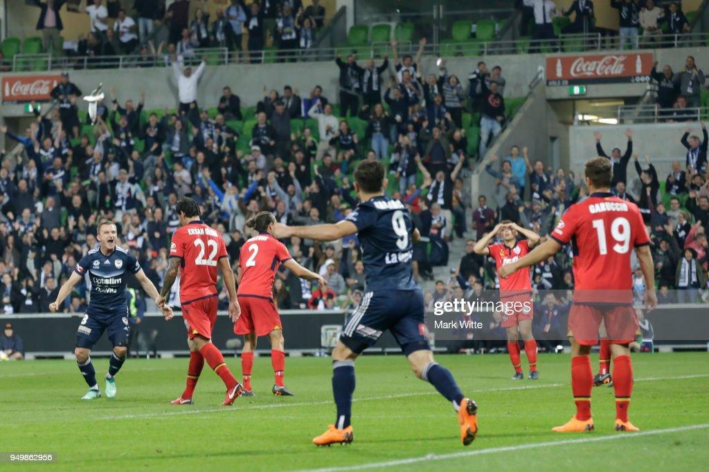 A-League Elimination Final - Melbourne v Adelaide : News Photo