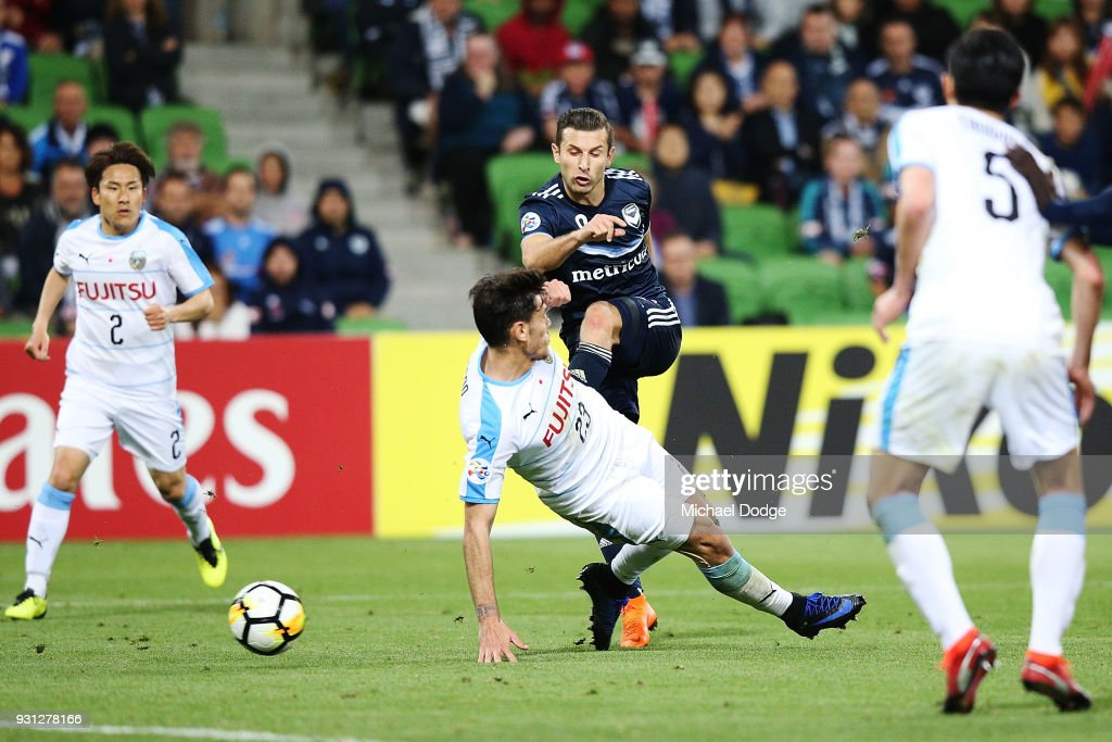 Kosta Barbarouses of the Victory kicks the ball for a goal in the dying stages during the AFC Asian Champions League match between the Melbourne Victory and Kawasaki Frontale at AAMI Park on March 13, 2018 in Melbourne, Australia.