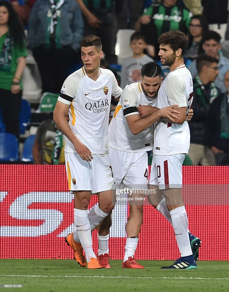 Kostas Manolas of AS Roma celebrates after scoring the opening goal during the serie A match between US Sassuolo and AS Roma at Mapei Stadium - Citta' del Tricolore on May 20, 2018 in Reggio nell'Emilia, Italy.