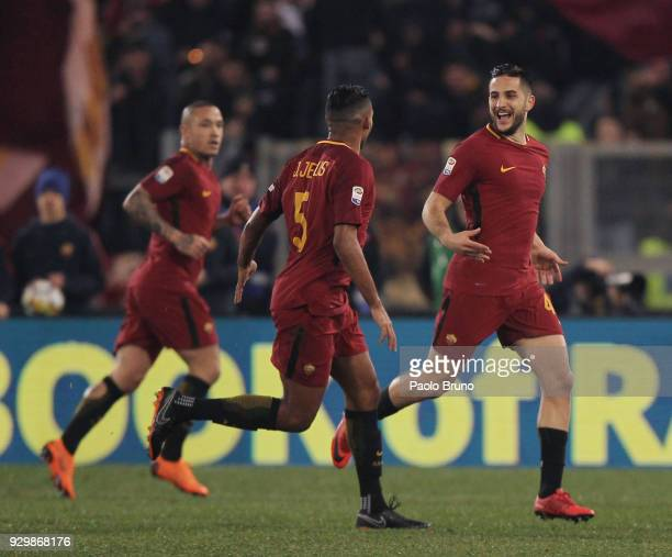 Kostas Manolas with his teammates of AS Roma celebrates after scoring the opening goal during the Serie A match between AS Roma and Torino FC at...