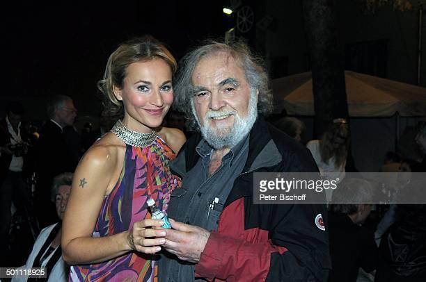 Kostas Papanastasiou Caroline Beil Party nach Premiere der Musikkomödie Inselkomödie oder Lysistrate und die Nato Theater am Schiffbauerdamm Berlin...