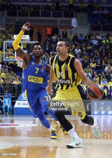 Kostas Sloukas #16 of Fenerbahce Dogus in action with Deandre Kane #7 of Maccabi Fox Tel Aviv during the 2017/2018 Turkish Airlines EuroLeague...