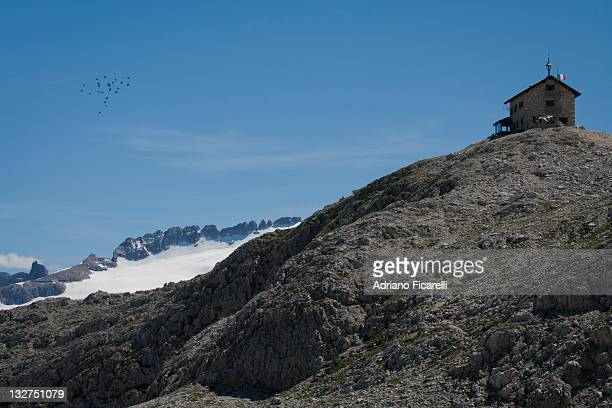 kostner hut - adriano ficarelli stock pictures, royalty-free photos & images