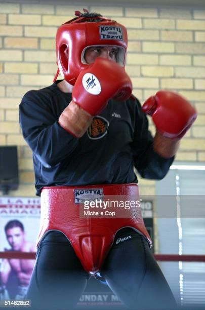 Kostya Tszyu the undisputed super lightweight world boxing champion is seen training at his Rockdale Gym on October 11 2004 in Sydney Australia Tszyu...