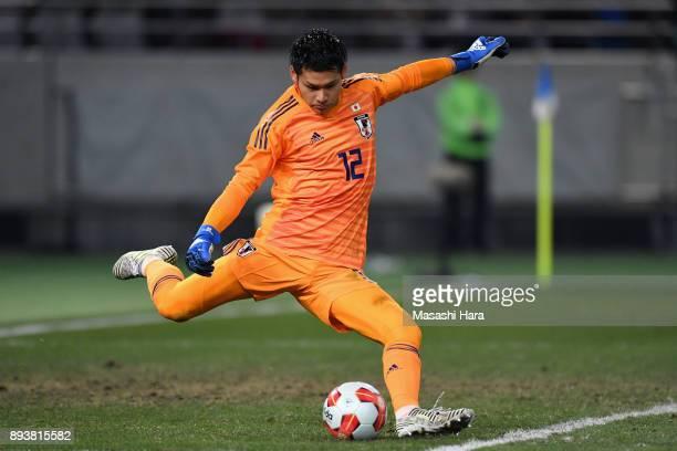 Kosuke Nakamura of Japan in action during the EAFF E1 Men's Football Championship between Japan and South Korea at Ajinomoto Stadium on December 16...