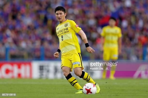 Kosuke Taketomi of Kashiwa Reysol in action during the JLeague J1 match between Kashiwa Reysol and FC Tokyo at Hitachi Kashiwa Soccer stadium on...