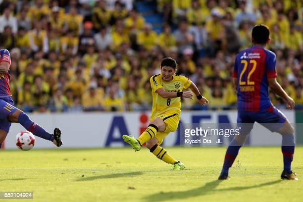 Kosuke Taketomi of Kashiwa Reysol scores the opening goal during the JLeague J1 match between Kashiwa Reysol and FC Tokyo at Hitachi Kashiwa Soccer...