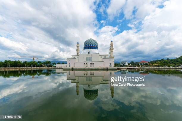 kota kinabalu city mosque - allah stock-fotos und bilder