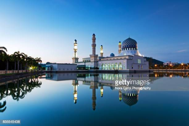kota kinabalu city mosque - floating mosque stock pictures, royalty-free photos & images