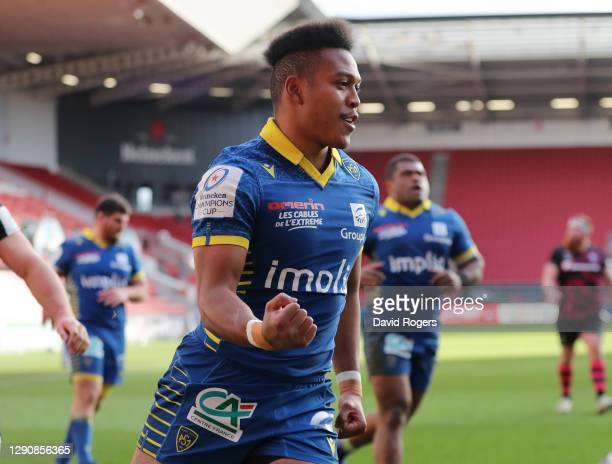 Kotaro Matsushima of Clermont Auvergne celebrates scoring their fourth try for the bonus point, his second of the match during the Heineken Champions...