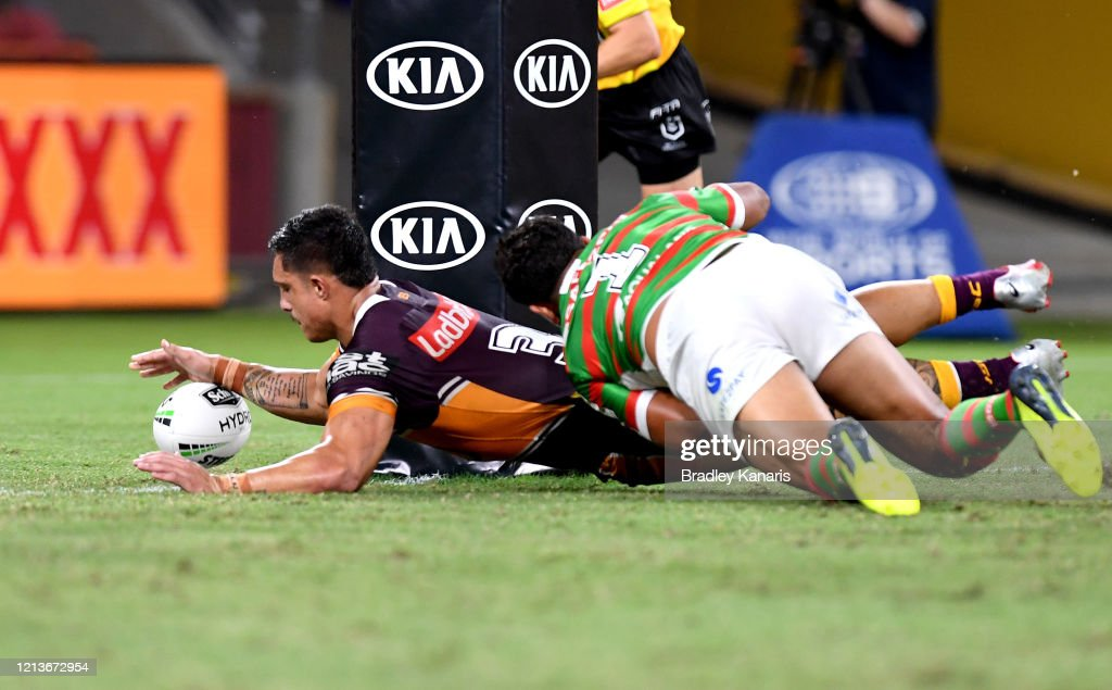 NRL Rd 2 - Broncos v Rabbitohs : News Photo